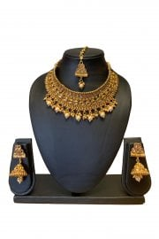 Necklace Sets / Jewellery